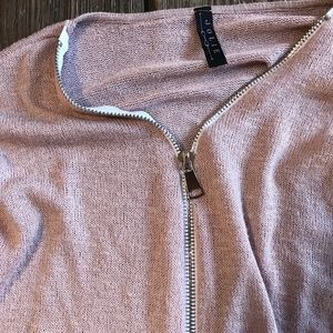 Jolie Tops - Jolie, front zipper long sleeve loose tee